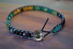 "Bracelet wrap ""Mon vert-sépia"" avec bouton en cristal swarovski, perles en verre…"