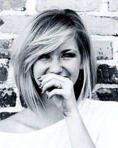 really wish I was ballsy enough to cut my hair this short & get the swoops. Looks darling
