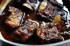 The BEST braised short ribs recipe -- The Pioneer Woman Dutch Oven Recipes, Rib Recipes, Cooking Recipes, Cooking Ribs, Cooking Bacon, Cooking Games, Recipies, Smoker Recipes, Freezer Cooking