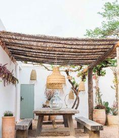 Terra Masia Ibiza is de magie van Ibiza op zijn best - Barts Boekje Outdoor Rooms, Outdoor Living, Outdoor Decor, Rustic Outdoor, Backyard Patio, Garden Inspiration, Gazebo, Garden Design, Outdoor Structures