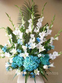 symmetrical: hydrangea Chameador Palm gladiolus  lily ti leaves