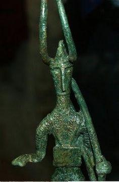 bronzetti-nuragici-bottega-artistica-L-rl7Yce.jpeg (262×400)