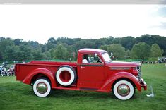 1948 Diamond T Model 201 Delux....snazzy..... appreciated by Motorheads Performance www.classiccarssanantonio.com
