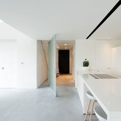 Pivoting doors with matte glass