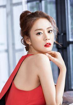 Korean Beauty, Asian Beauty, Asian Woman, Asian Girl, Seungyeon Kara, Han Seung Yeon, Kim Sang, Cosmic Girls, Korean Actresses