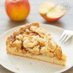 Leckerer Apfel-Streusel-Kuchen | Backen macht glücklich Apple Pie, Tasty, Sweets, Baking, Dinner, Breakfast, Ethnic Recipes, Desserts, Vegan
