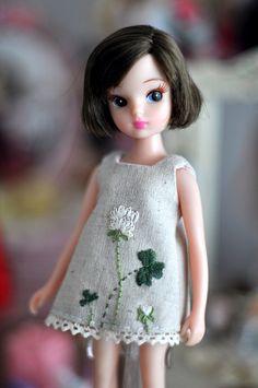 embroidered clover dress for licca (pineleaf)
