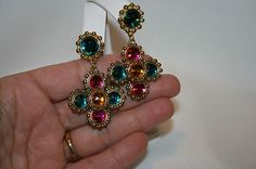 VTG. CIRCA 1980'S MULTI COLORED RESIN PIERCED EARRINGS SET IN GOLDTONE