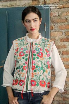 Batik Amarillis's folklore 2015 vol 2 splendid Hungarian embrodery vest accented with red tassels ..