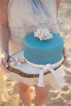 blue seaside wedding cake by Linacucina