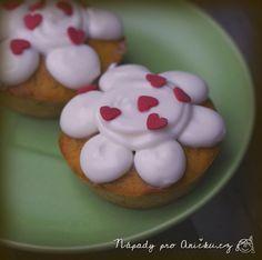 Dýňové muffiny s tvarohovou polevou Cookies, Desserts, Recipes, Food, Crack Crackers, Tailgate Desserts, Deserts, Biscuits, Essen