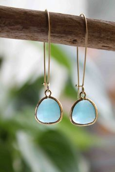 Gold and chalcedony in any form is beautiful but these are just so simple that I love them.