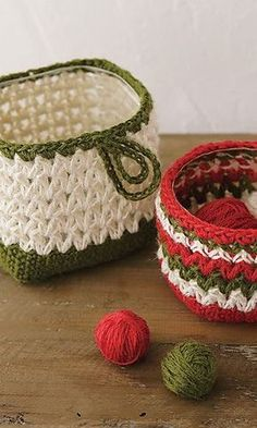 Free pattern- cute baskets