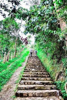 Senderos en el parque arqueológico de San Agustín.    Cambia tu Norte, Ven al Huila.  http://huila.travel/