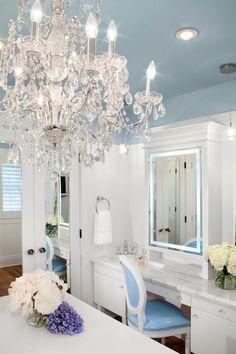 The perfect romantic bedroom bath setup