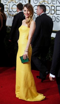 Leslie Mann shined as she hit the red carpet on one of Hollywood's biggest nights -- showing off her colorful side.