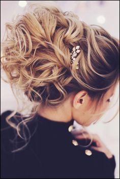 Die besten 25+ Haar ideen Ideen auf Pinterest | Frisuren für ... #Frisuren #HairStyles Wunderschöne Half Up Hochzeit Schnittwunde Ideen– Wenn wir herauf viele Hochzeiten schauen, gibt es nichts weniger interessante Vervollständigun...