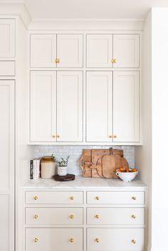 The McGee Home Kitchen. Home Design, Design Ideas, Kitchen And Bath, Kitchen Decor, Summer Kitchen, Cream Kitchen Cabinets, Kitchen Soffit, Kitchen Remodelling, Little Kitchen