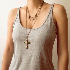 Colares de Cruz. #necklace #cross #fashion #acessorios  www.lacosdefilo.com