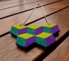 Collar geométrico rombos fieltro- Collar cubos de LayonStore por DaWanda.com