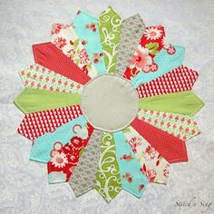 dresden plate quilt pattern   Dresden Plate