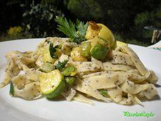 Fettuccine ai semi di papavero zucchine e limone