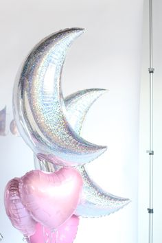 holographic star and pink heart balloons