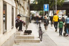 Skateboard, Fahrrad, Wohnen in Charlottenburg in Berlin, Berlin, Nachbarschaft, Lifestyle, Kiez, Stadtteil, Bezirk, Wohnen