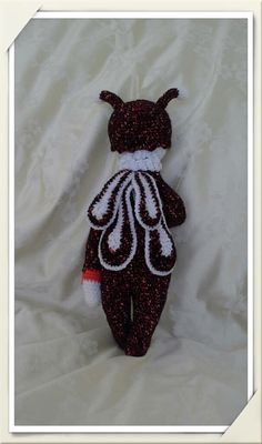 New Beatrice the Bee by Hooked on Handicrafts Find us on Facebook