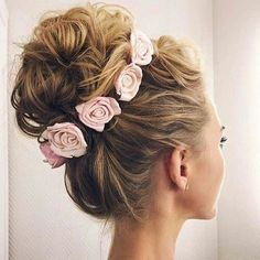 Love this cute and amazing messy bun looks soo beautiful and amazing love the flower hairband especially love it looks soo amazing and beautiful.