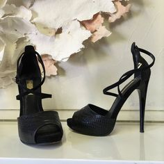 Topshop platform heels Barely worn.see images for condition. These are great basic black heels that you can dress up or down Topshop Shoes Heels