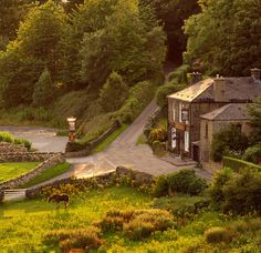 The Rivelin, a pub in the Rivelin Valley, Sheffield, England Namesake of my university halls ❤️ South Yorkshire, Yorkshire England, Great Places, Places To See, Beautiful Places, British Pub, British Isles, Wales, Sheffield England