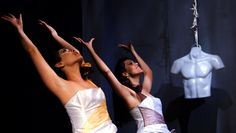 Monólogo a dos voces dirigido por Leo Bautista con la actuación de Mariana Romero y Marisol Naranjo.