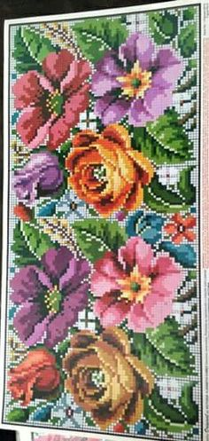 Cross Stitch Rose, Cross Stitch Flowers, Beaded Embroidery, Cross Stitch Embroidery, Craft Accessories, Brick Stitch, Cross Stitch Designs, Cross Stitching, Needlepoint