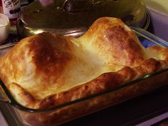 The Belles' Holiday Wassailing Tour, Course December 2015 Homemade Yorkshire Pudding, Yorkshire Pudding Recipes, Turkey Side Dishes, Main Dishes, Good Food, Yummy Food, Thanksgiving Recipes, British Recipes, Food And Drink