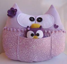 Almofada de coruja em feltro  ou soft ( dependendo da disponibilidade ) super macia, fofura pura!! R$ 97,00
