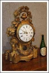 Orologio intagliato dorato Luigi XVI 700 perfetto Antiquariato su Arsantik