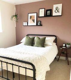Dusty Pink Bedroom, Light Pink Bedrooms, Pink Bedroom Walls, Rose Bedroom, White Bedroom Decor, Bedroom Wall Colors, Bedroom Green, Modern Bedroom, Master Bedroom