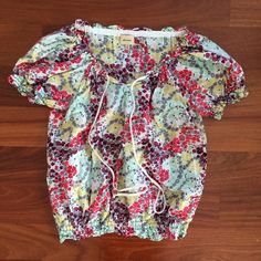 Ella Moss Floral Blouse Silk/cotton blouse with elastic at the bottom and at the sleeves. Product runs large (fits more like a medium). Worn once. Made in USA. Ella Moss Tops Blouses