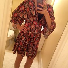 Kimono style dress from ASOS Great dress only worn once! Zips up in the back. Discounts on bundles! ASOS Dresses