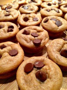 flourless peanut butter chocolate chip muffins ~gluten free, grain free~ sub almond butter for the PB to make it paleo Paleo Dessert, Healthy Desserts, Just Desserts, Delicious Desserts, Dessert Recipes, Yummy Food, Gluten Free Muffins, Gluten Free Sweets, Gluten Free Baking