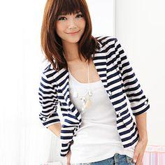 navy blue striped blazer + plain white top!