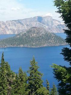 Wizard island @ crater lake, Oregon