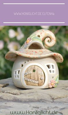 de Elfenhäuschen-Windlicht aus Keramik - Hobbies paining body for kids and adult Clay Fairy House, Fairy Houses, Polymer Clay Crafts, Diy Clay, Ceramic Clay, Ceramic Pottery, Pottery Houses, Clay Fairies, Clay Houses