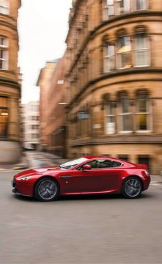 Aston Martin, V8 VANTAGE
