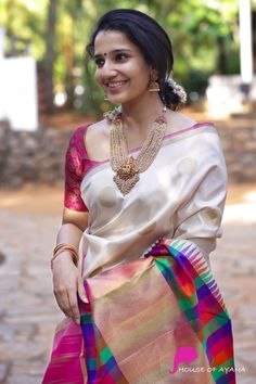 Kanchipuram Silk Sarees Shop in Chennai Pattu Saree Blouse Designs, Saree Blouse Patterns, Latest Silk Sarees, Silk Saree Kanchipuram, Bridal Silk Saree, Saree Wedding, Saree Photoshoot, Stylish Sarees, Stylish Dresses