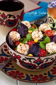 Reyhanlı Semizotu Salatası ve Susamlı Lor Topları Tarifi | Mutfak Sırları