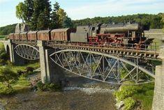 TrainScape: Dioramas en escala N; Third Rail, N Scale Trains, Popular Hobbies, Standard Gauge, Model Train Layouts, You Know Where, Thomas And Friends, Outdoor Toys, Train Car