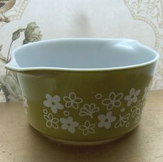 vintage pyrex crazy daisy - this is the style I collect. Love it so much!