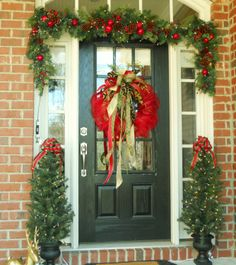 Entry decorating...